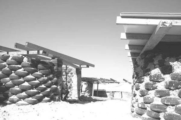 תהליך הבנייה של בית הספר, צילום: VENTO DI TERRA ONG 2009