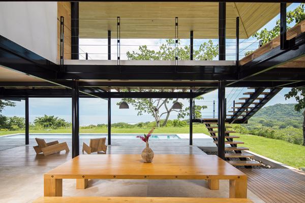 בית חוף בקוסטה ריקה בעל קירות עץ מתקפלים