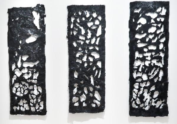 זוודיתו יוסף, מגילת העצמאות 2017, פחם בטכניקה מעורבת. צילום רפי דלויה