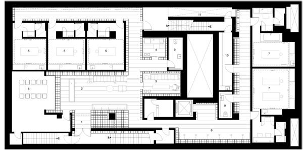 תוכנית אחת הקומות במבנה