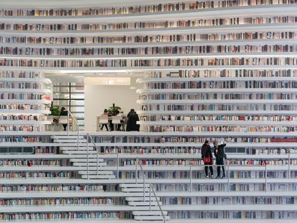 הספריה יכולה להכיל עד 1.2 מיליון ספרים