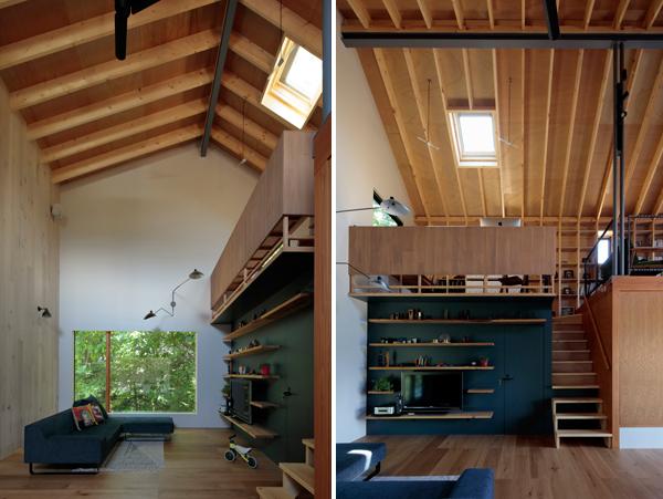 הסלון וקיר הטלויזיה שנצבע בגוון כהה שיוצר קונטרסט עם חיפויי העץ הרבים