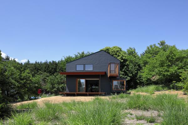 הבית ממוקם באזור כפרי ביפן