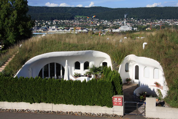 מתחם בתים אקולוגיים וחסכוניים אנרגטית בשוויץ