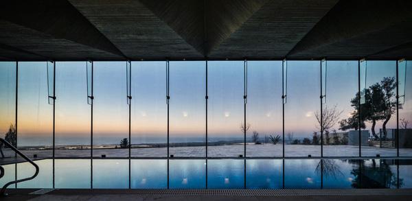 מרכז תרבות ומלון בוטיק אלמא, זכרון יעקב, 2015, בשיתוף אדריכל רני זיס. צילום: איתי סיקולסקי
