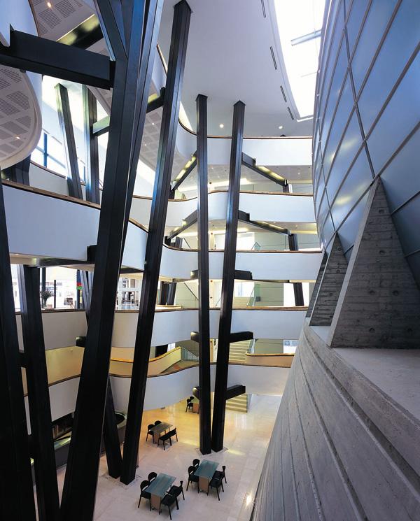 התאטרון הקאמרי החדש, 2003. באדיבות מרכז רכטר לאדריכלות. צילום: משה גרוס ל