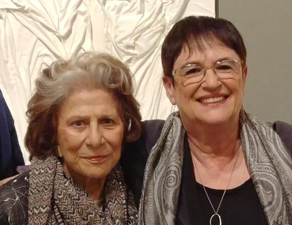 האוצרת רותי אופק ודינה רקנאטי, צילום: תקשורות יעל שביט