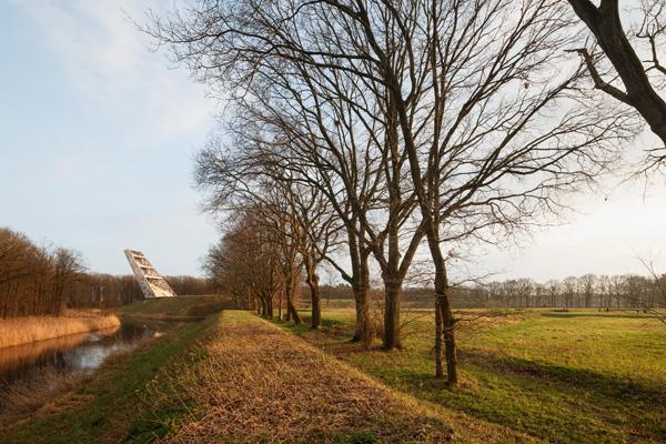 סביבת מצודת רובר עם מגדל פומפיאוס. צילום: Katja Effting