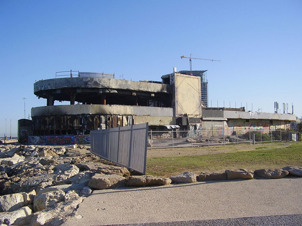 הדולפינריום המוזנח בתל אביב. צילום: דר