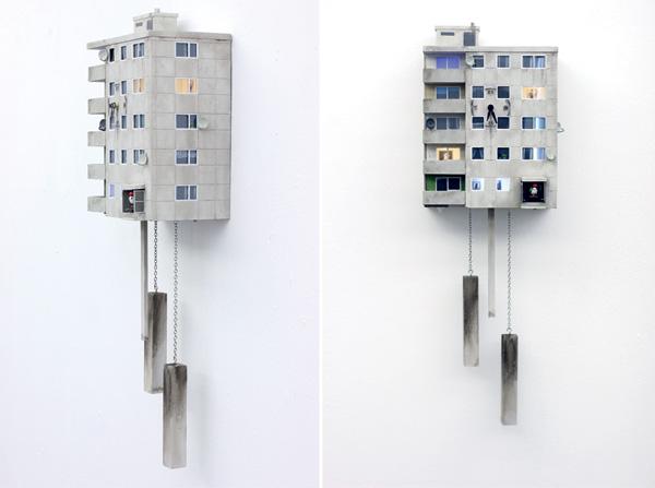 שעונים בסדרת cuckoo blocks של גואידו צימרמן. צילום: Guido Zimmermann