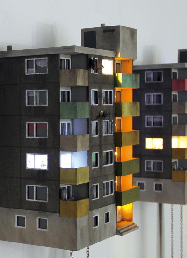 תאורה, וילונות ופרטים מתוך הדירות. צילום: צילום: Guido Zimmermann