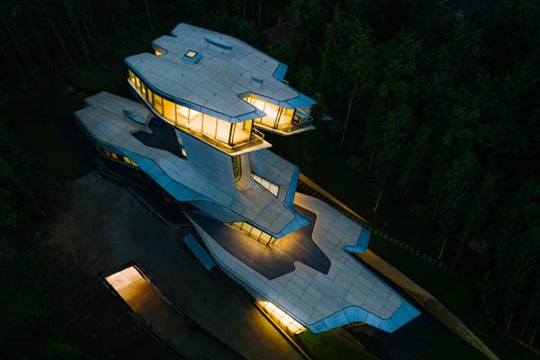 פרויקט קפיטל היל, מבט מהאוויר בלילה. צילום: Courtesy of  OKO Group