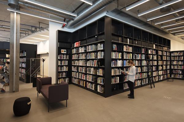 ספריה. צילום: Trond Isaksen, Statsbygg ©