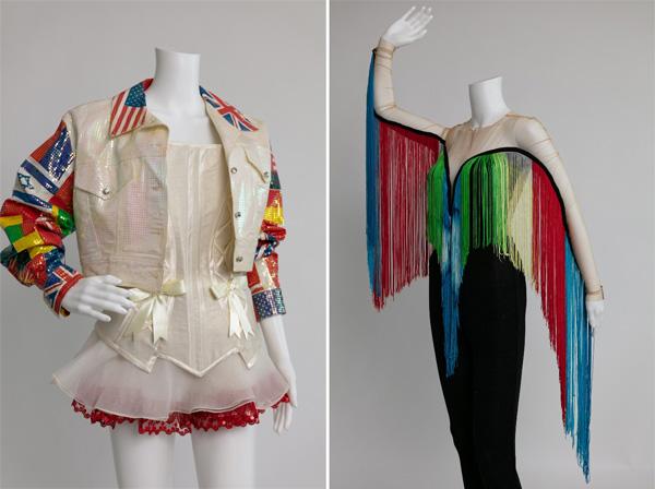 מימין: אלון ליבנה, תלבושת לאירוויזיון ה-50. משמאל: ירון מינקובסקי, באדיבות קלוד דדיה. צילום: רן יחזקאל