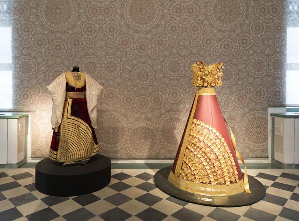 בסוף מערב, מירב פלג, השמלה הגדולה. צילום: אלעד שריג