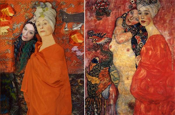 מימין: גוסטב קלימט, נשים חברות. משמאל: שחזורה של עדי עציון. צילום: יונתן זק