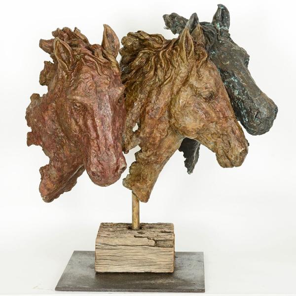 פסל של סולומון לבייב. מתוך התערוכה בתל אביב