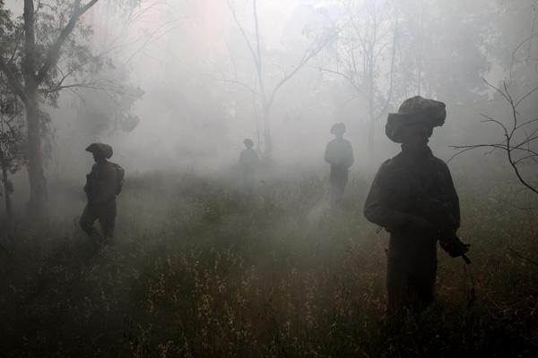 לוחמי חטיבת גולני במהלך פעילות בעוטף עזה, אפריל 2011. צילום: זיו קורן