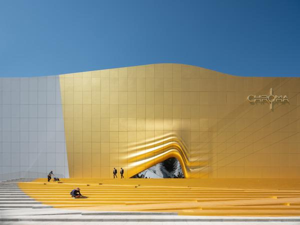 הכניסה כמעין וילון זהוב, The Imprint. תכנון: MVRDV. צילום: Ossip van Duivenbode