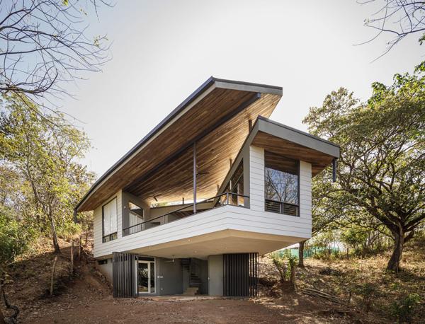 הגג המרחף. תכנון: LSD Architects. צילום: Fernando Alda