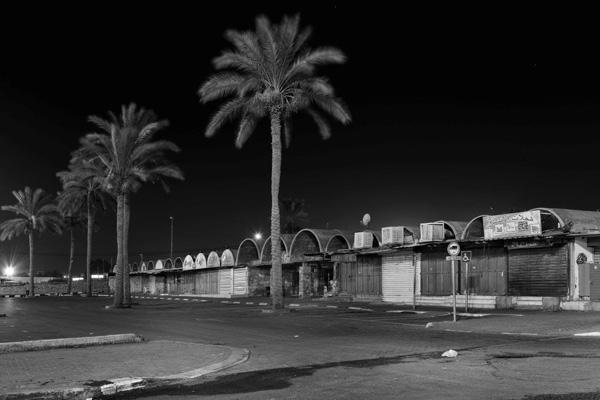 שוק עזרא בבאר שבע, בתערוכה חלומות מבטון. צילום: סינגלובסקי אלי