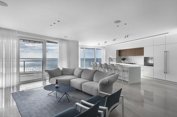 הדירה מול הים. עיצוב: איריס אבנרי-דביר. צילום: עודד סמדר