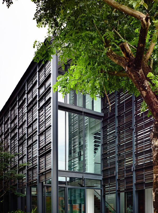 משחקי אור ואוויר. תכנון: HYLA Architects. צילום: Mr. Derek Swalwell