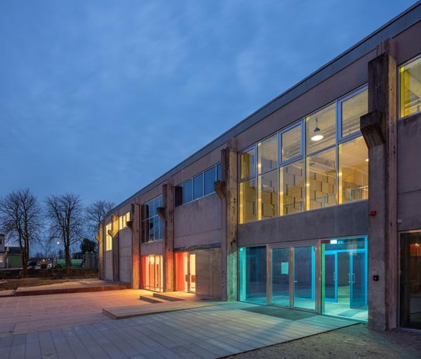 מבט מן החוץ על בית החרושת לבטון תכנון:MVRDV+COBE  צילום:Ossip van Duivenbod