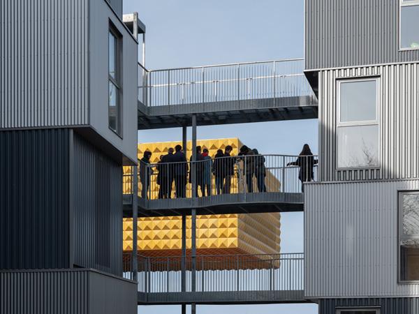 מבט על המבנים החיצוניים שנוספו למבנה הראשי תכנון:MVRDV+COBE צילום:Ossip van Duivenbode