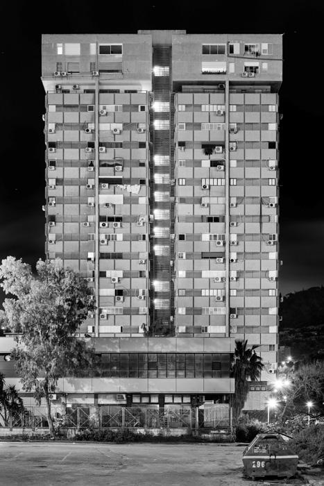 אלי סינגלובסקי, מאירהוף, 2019, הזרקת פיגמנט על נייר ארכיבי, צילום באדיבות האמן