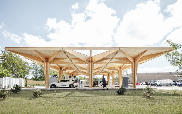 Ultra-fast charging station a clean, calm setting with trees , credit COBE and Rasmus Hjortshøj - COAST