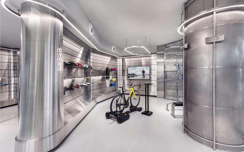 אופני גראפן מותקנים על מסוע המאפשר התנסות ברכיבה. צילום: CI&A PHOTOGRAPHY