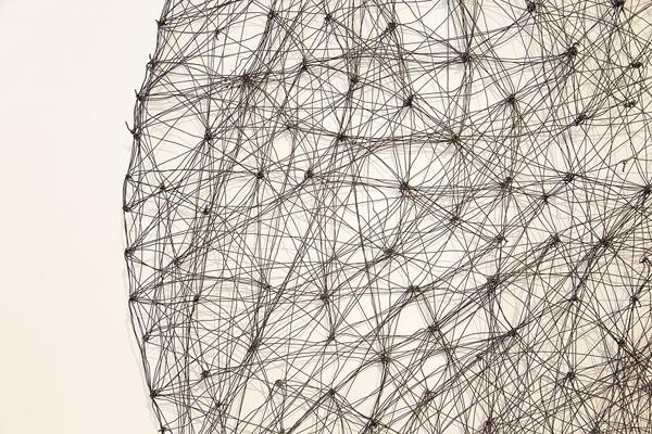 עבודתה של דנה הראל, צילום ריקי איתן בירנבוים