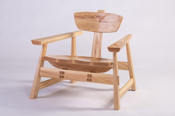 תם אטיאס, כיסא. צילום: אלעד ברמי