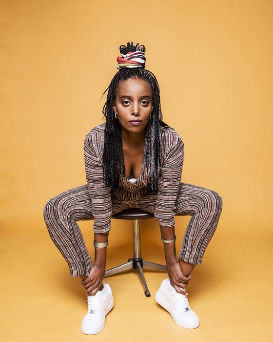 אבבה דסה, זמרת –יוצרת, המשלבת צלילים אתיופיים מסורתיים ושירי סול צילום איליה מלניקוב