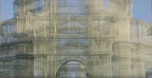 האמן האיטלקי שיוצר ארכיטקטורה מרהיבה מרשתות ברזל // השראה יומית
