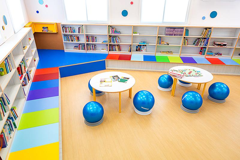 ספרייה מעוצבת בבית ספר ענבלים, מודיעין, צילום: דקל אבו