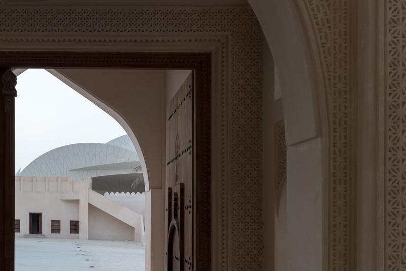 תצפית מהארמון ההיסטורי המשוחזר לחצר המוזיאון, ז