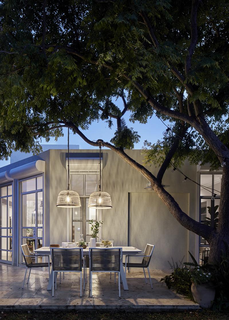 פינת האוכל החיצונית, צילום: שי גיל - צילום אדריכלות
