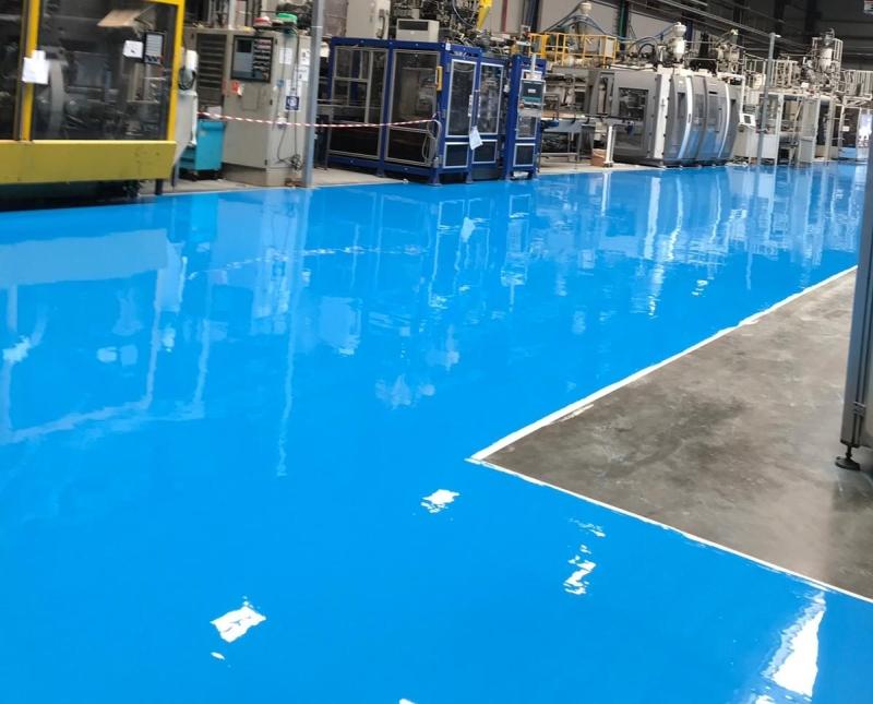 רצפת אפוקסי במפעל, קרדיט: אדל פרויקטים בע