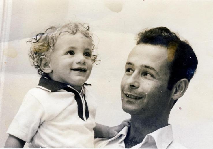 אבנר סגל והבן ניר קרדיט צילום- אלבום משפחתי