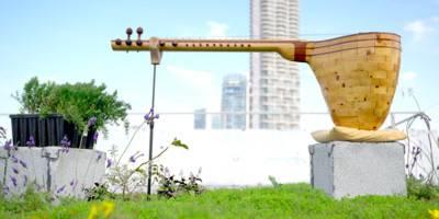 דבוראי, בונה כלי מיתר ומוזיקאי - שירת הזכרים