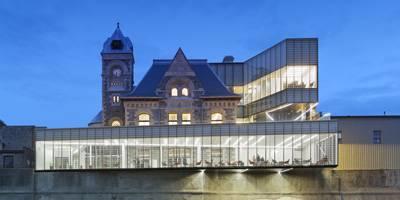 ספרייה  נטולת ספרים בקנדה | פרוייקט חול