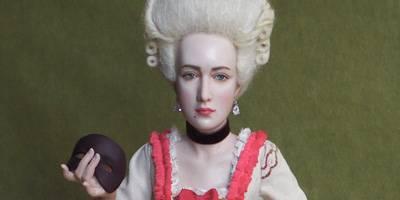 מצעצוע ועד לחפץ אמנותי,  תערוכה חדשה  מציגה את הבובות האמנותיות