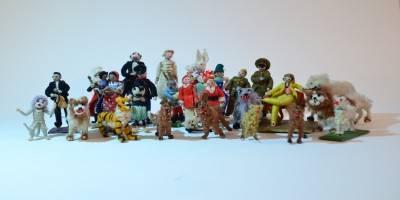 תערוכה קבוצתית חדשה: הבובות של קרולה